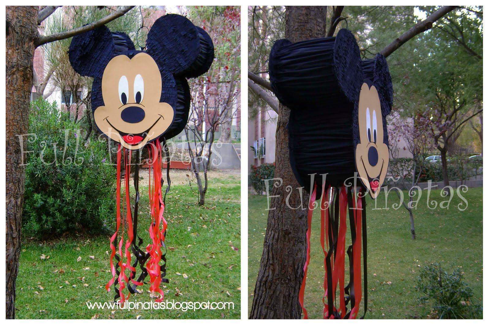 Piñata Mickey para Santi.