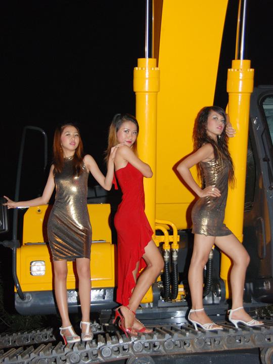 Myanmar Sexy Model Girls At HyunDai Heavy Equipment Show