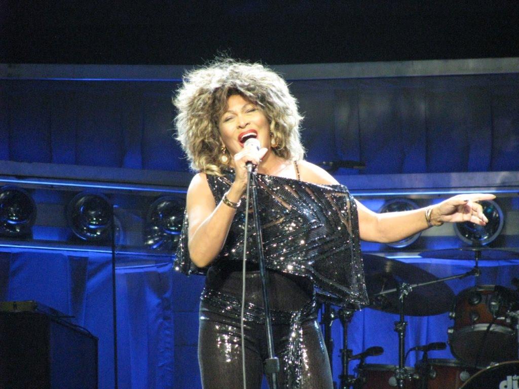http://4.bp.blogspot.com/_E7O_VJqB3yE/TKX7c9oF0bI/AAAAAAAABT0/dF0ogQZIlvM/s1600/Tina-Turner.jpg