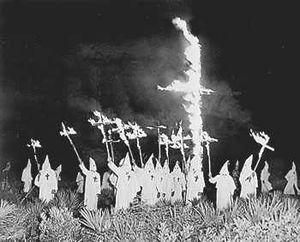 [300px-Klan-in-gainesville.jpg]