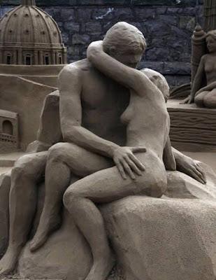 Foto-Foto Patung dari Pasir