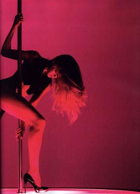 Striptease:El Arte de Desnudarse al Ritmo de la Musica