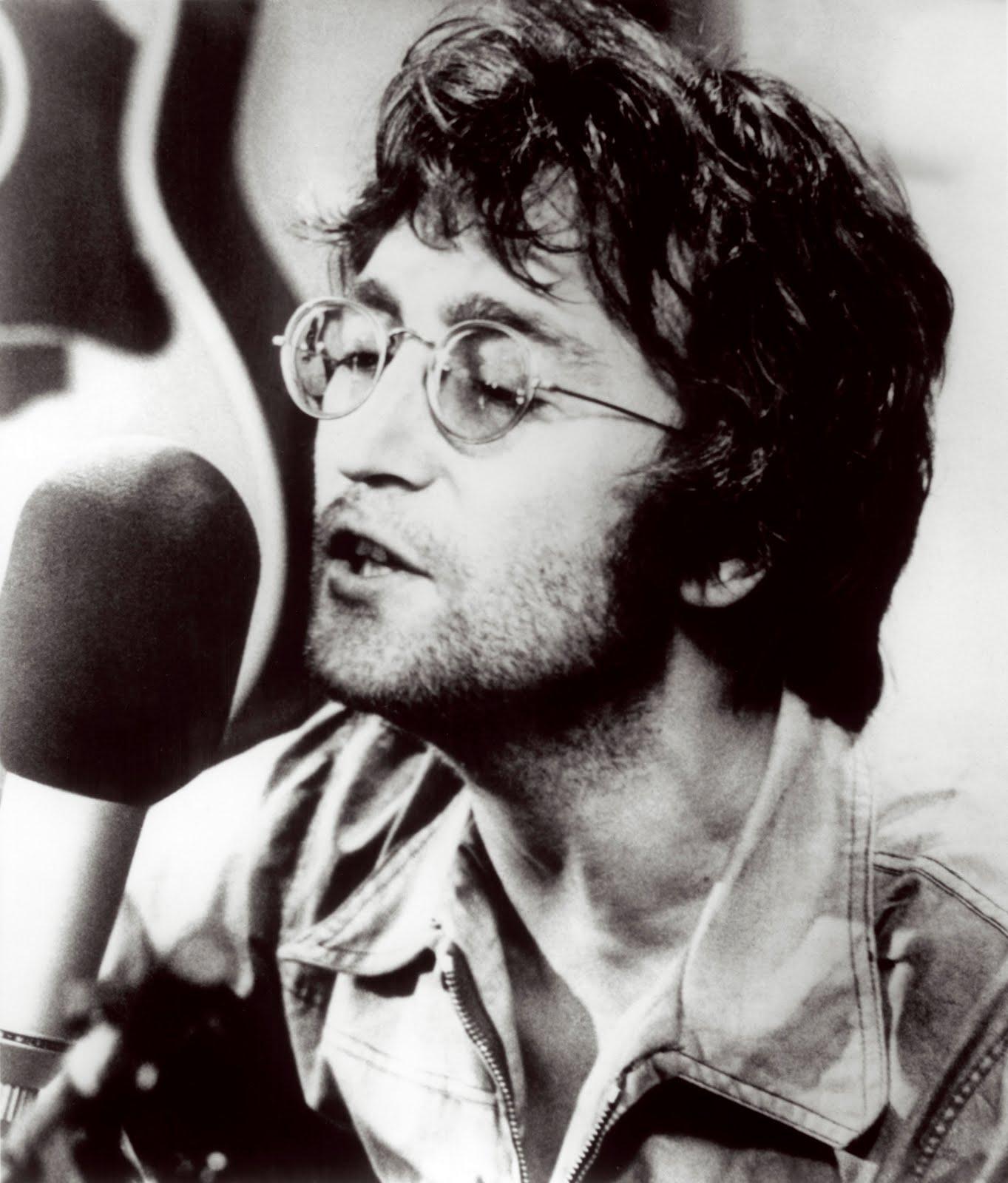 http://4.bp.blogspot.com/_E9NPoeLuzC4/TLDFyxmOCFI/AAAAAAAACpE/E2IEiLQ28Ng/s1600/John_Lennon_2-1.jpg