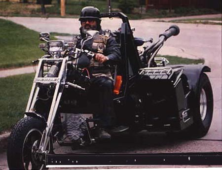Big Twin Rides Again in addition Fs43898 6018 likewise Viewtopic additionally Ford V6 Custom Trikes moreover Other Trikes. on custom car engined trikes