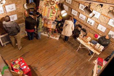 Art Boutique - Lumanari parfumate, carti si agende in 'hainute' minunate