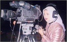 Kamera dan Marissa Haque Melekat untuk Penelitian
