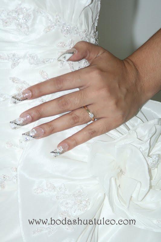 unas acrilicas decoradas para boda
