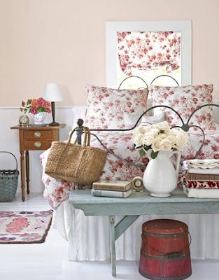 Estilos de Decoración VIII - Página 26 Pink-floral-bedroom-de-90184309