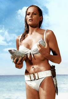 [Ursula-Andress.jpg]
