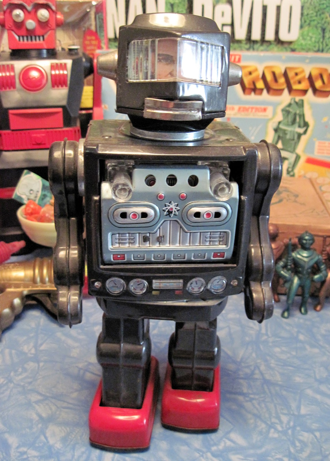 Vintage Toy Robots : Tracy s toys and some other stuff vintage space man robot