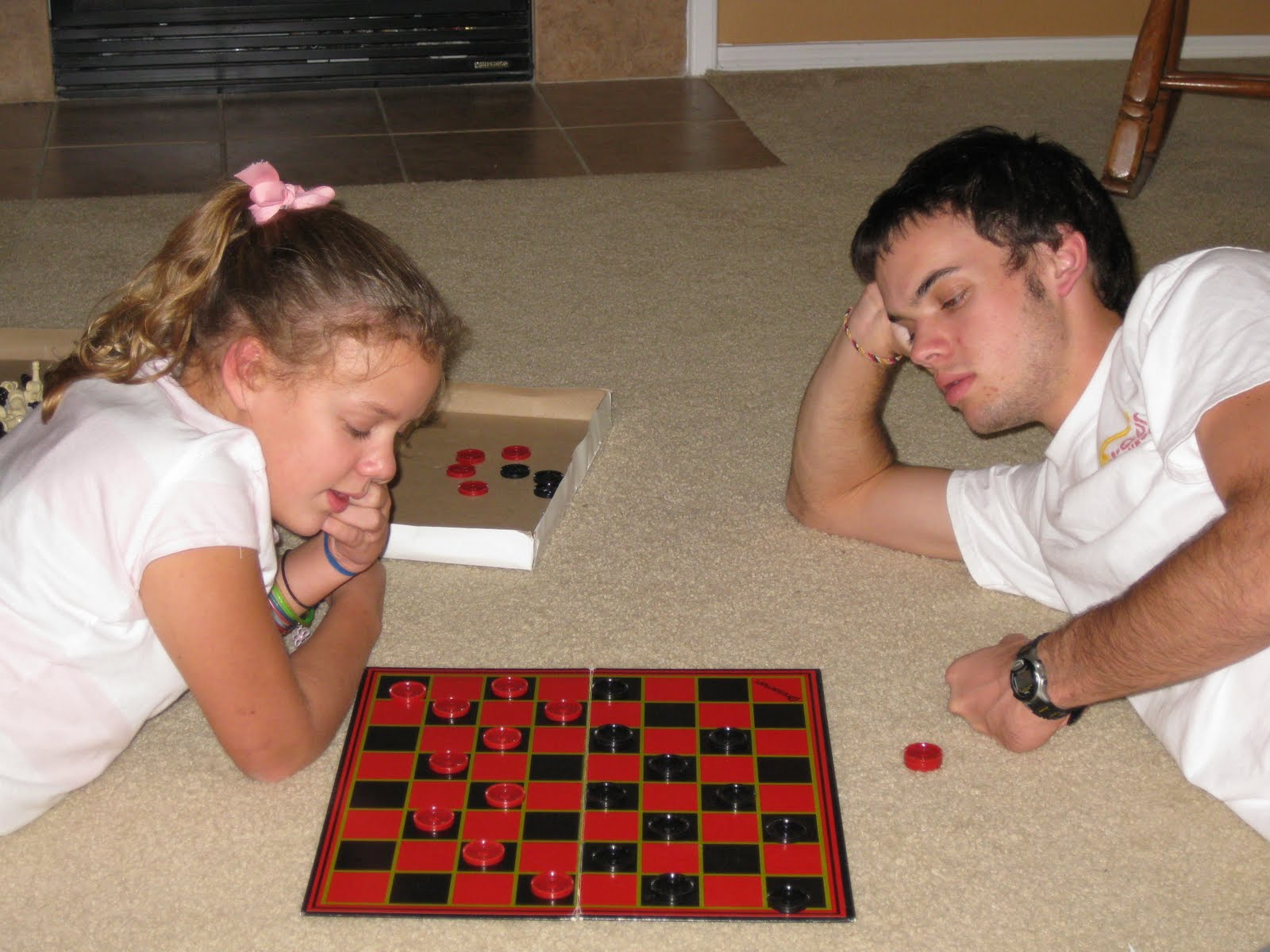 Displaying 20> Images For - Playing Checkers...