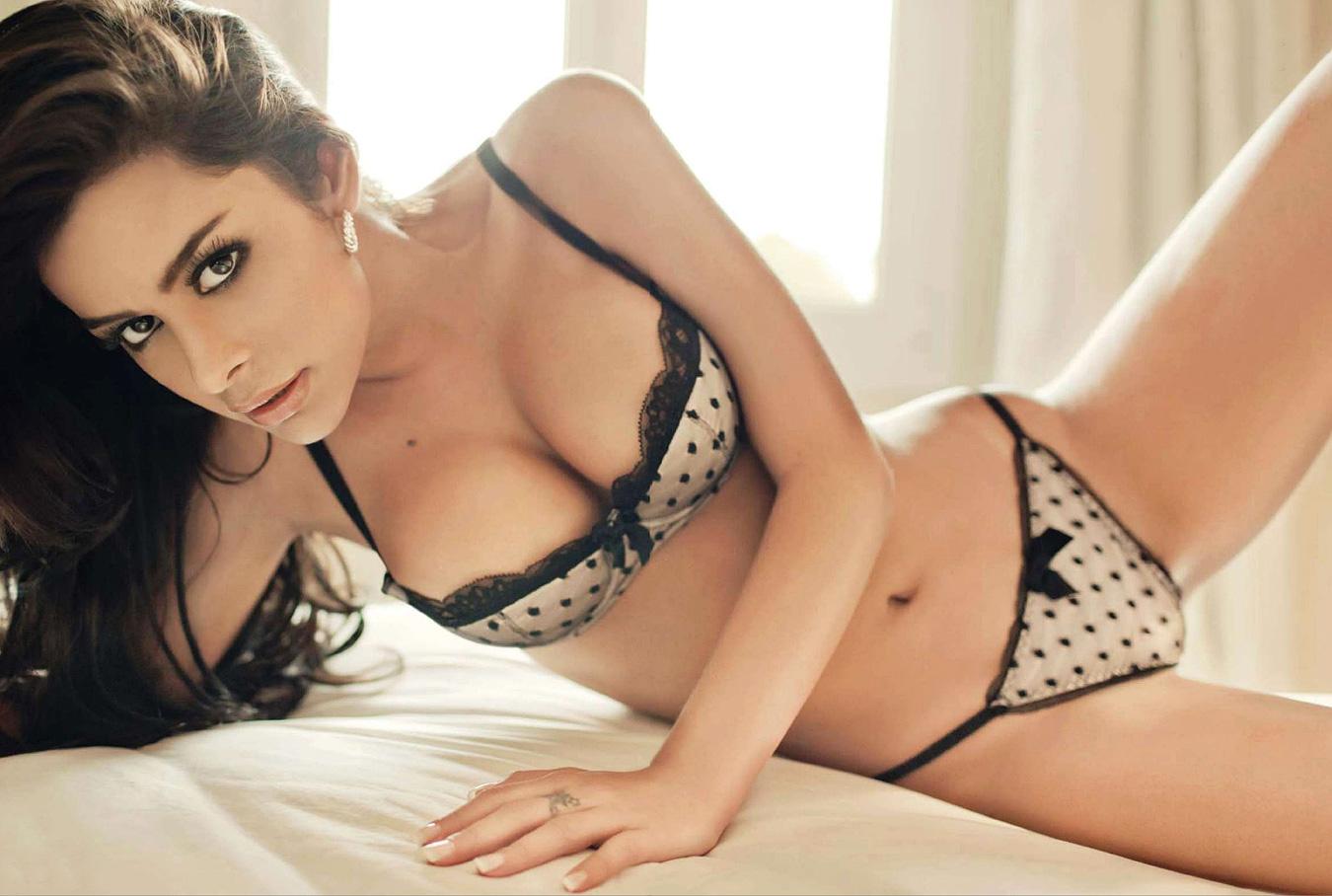 Hot Larissa Riquelme naked (89 pics), Topless