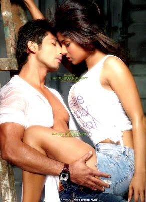 Priyanka chopra, Shahid's Hot photo shut on Cineblitzs pic