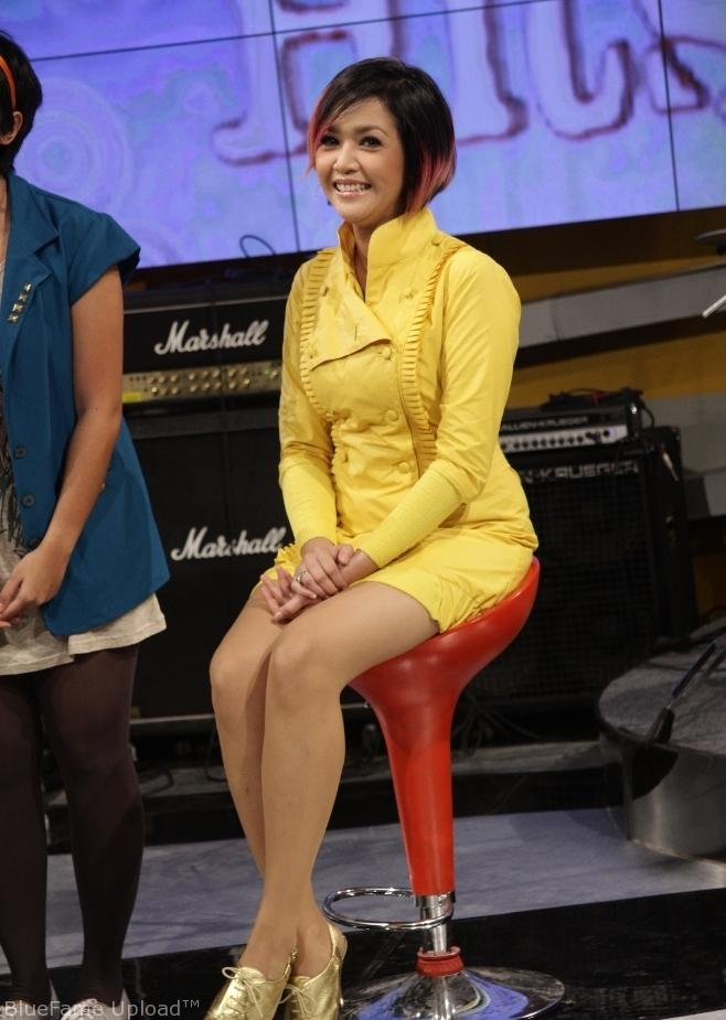 Upskirt Maia Pake Dress Kuning