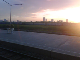 บรรยากาศยามเช้าของสถานีรถไฟบางซื่อ