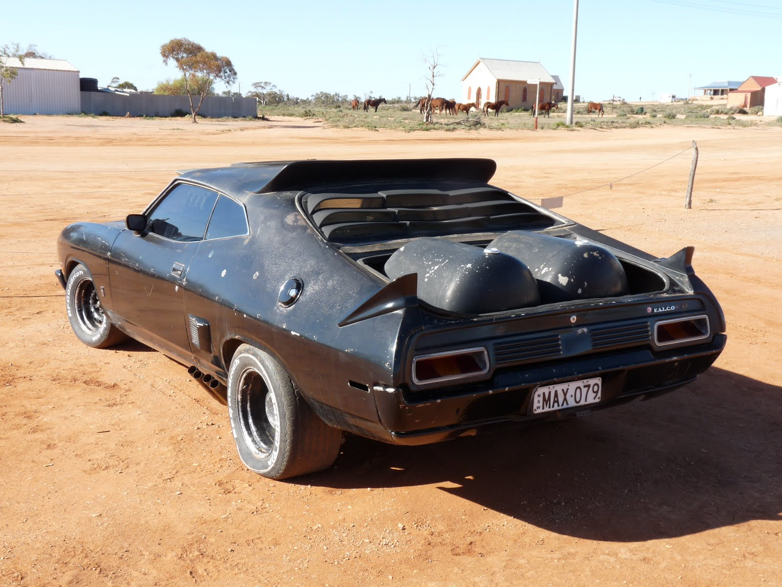 garry and rani appleby mad max pursuit vehicle sliverton nsw. Black Bedroom Furniture Sets. Home Design Ideas