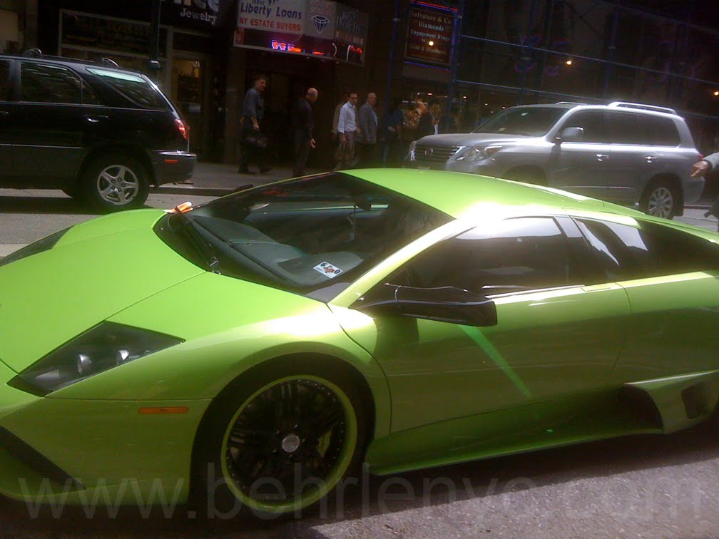 pretty-green-lamborghini