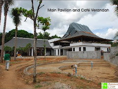 the welcome pavillion and main hall under construction