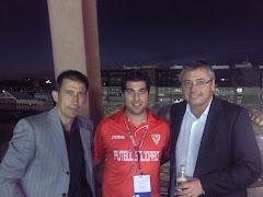 Con Carlos Martínez y M. Robinson
