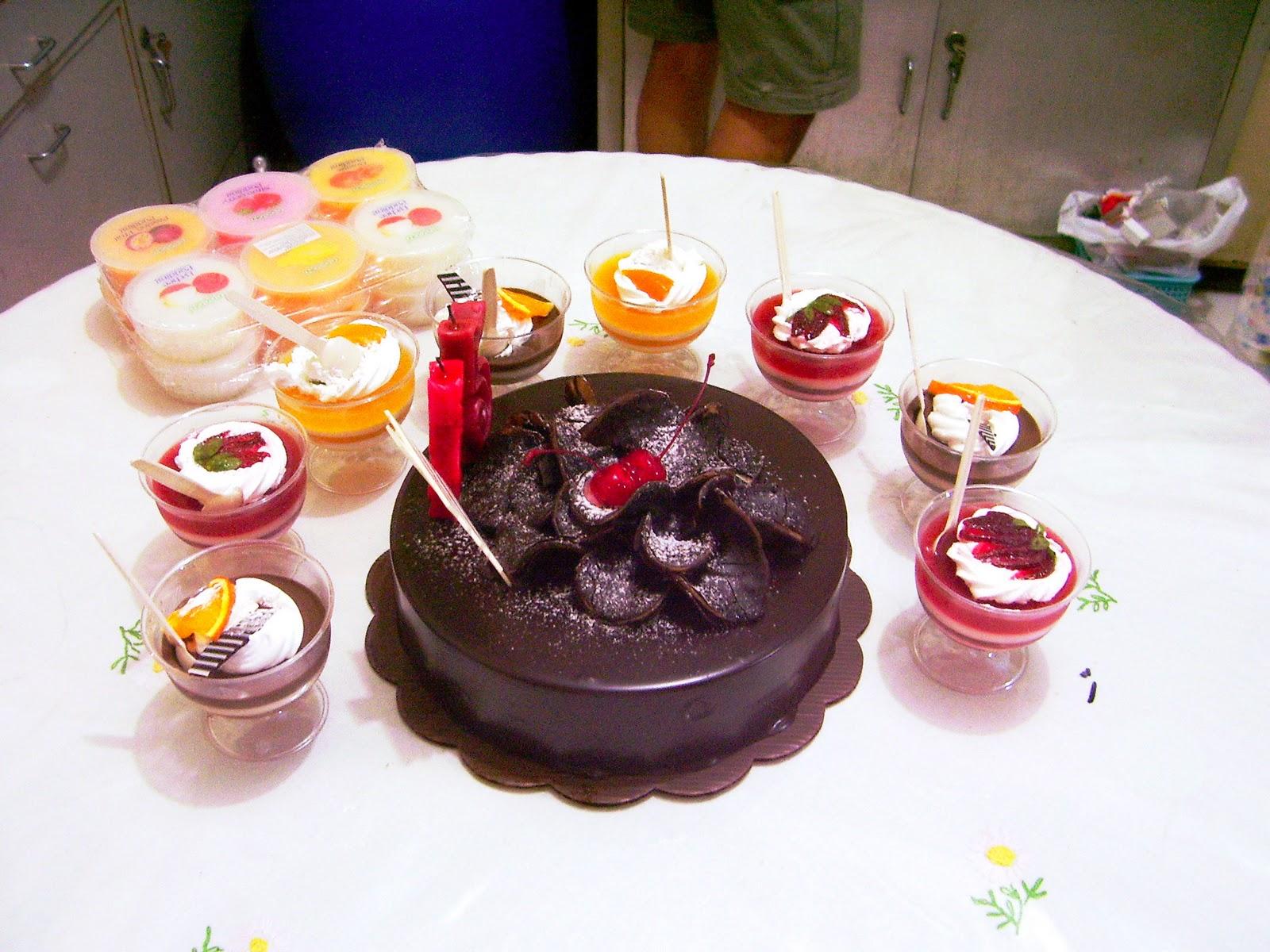 Dan berikut foto foto pas perayaan ulang tahun Si Abang Tukang Bakso Mari Mari Sini