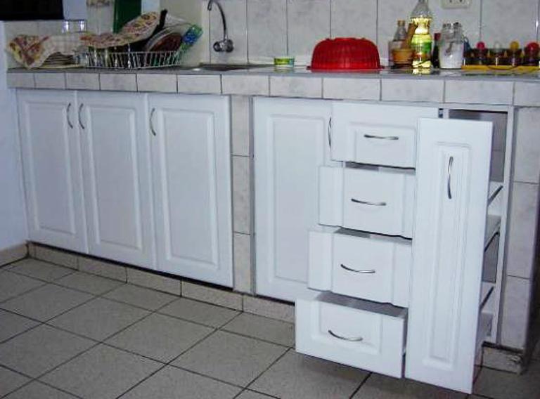 Muebles decoratiba adolfo ibarra v mueble de cocina cajoneras con frentes moldurados - Cajoneras de cocina ...
