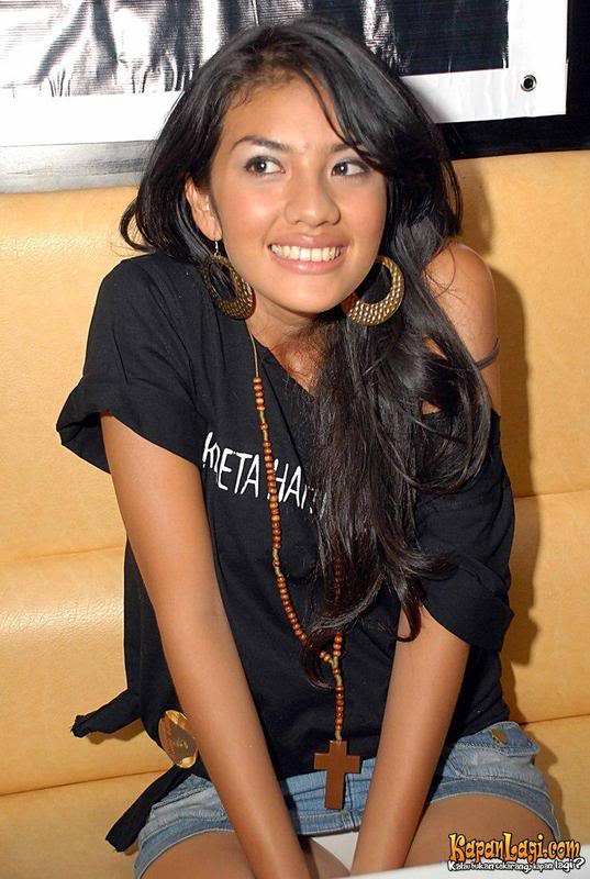 Britney Lee (Zhang Xi Qi)