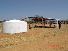 A construção de uma telhado para cisterna