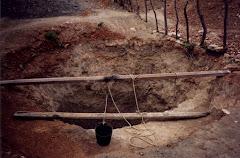 Abertura de um poço na caatinga