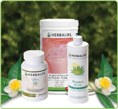 del te verde y otras hierbas en esta saludable bebida baja en calorias