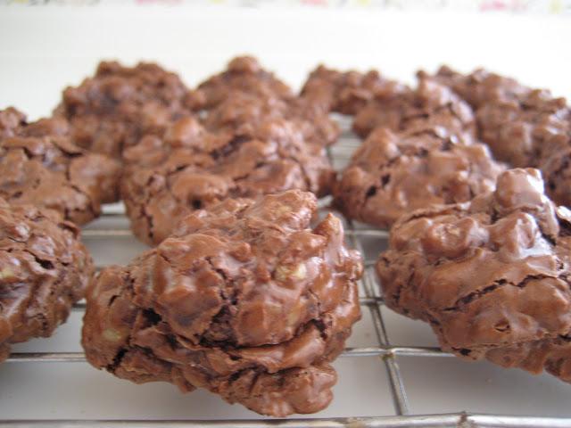 sweet tarte: flourless chocolate walnut cookies