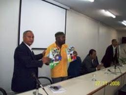 Entrega dos Livros ao Ex- Secretário da SEMUR- Evento em Salvador (Ba) - 2008