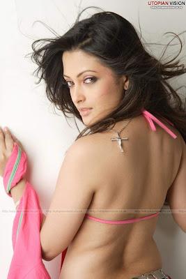 Sneha Ullal sexy foto