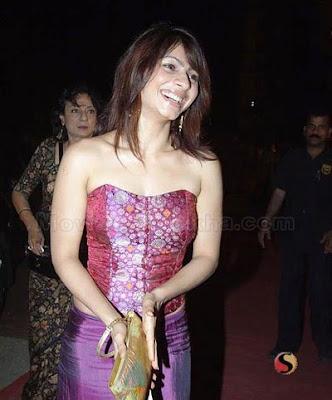 Tanisha Mukherjee sexy foto
