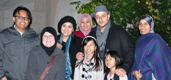 Maher Zain With His Wife And Daughter http://greenlyne.blogspot.com/2010/11/maher-zain.html