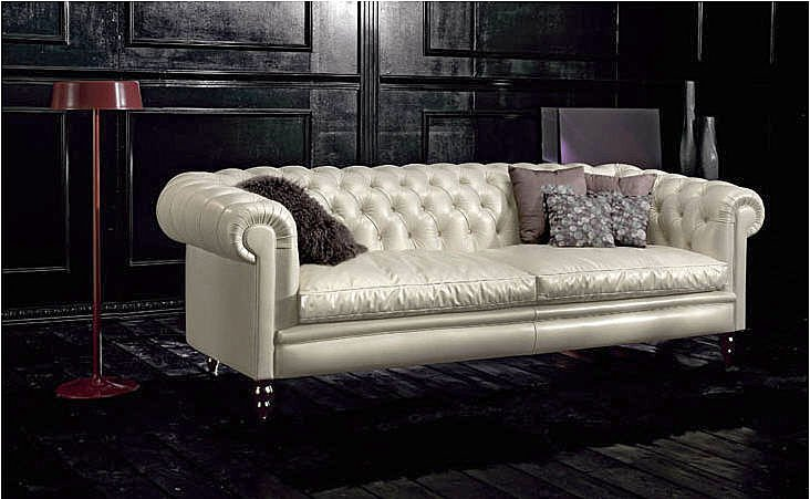rouge blanc noir maybe a nice chesterfield