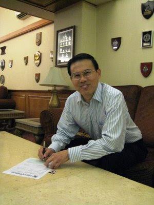 Dr Teo Ho Pin