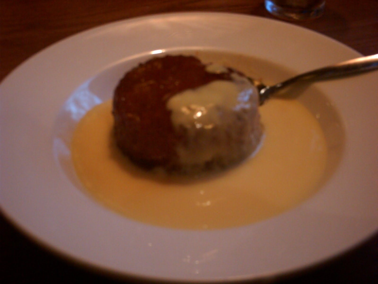 Kerie cooks: Treacle Pudding with Custard