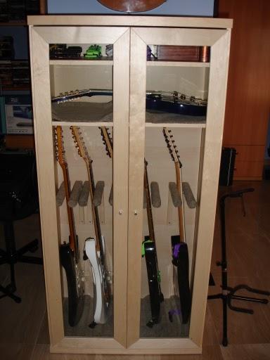Armario para guitarras diy mi llave allen for Mueble guitarras