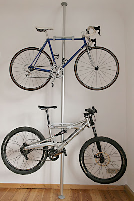 desde hackszine nos llega una gran idea para almacenar bicicletas sin gran desembolso ni gastar energas en obras complejas gracias al sistema stolmen