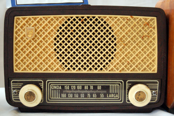 Microphone Series further Guion radiof C3 B3nico together with Inventions as well Grammophon besides munications Nostalgia. on old radios from 1920s