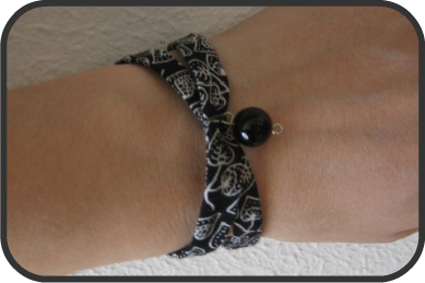 nkitkat fabric bracelet bracelet en tissu. Black Bedroom Furniture Sets. Home Design Ideas