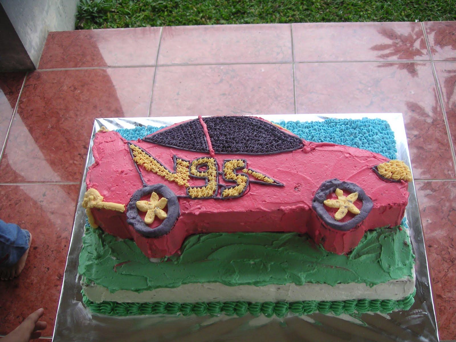 kue ulang tahun nazhif yang ke 4 permintaannya adalah kue ulang tahun