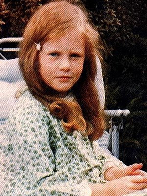 nicole kidman red hair moulin rouge. Let#39;s pick on Nicole Kidman