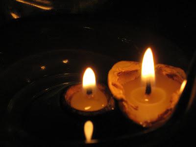 świecznik z orzecha