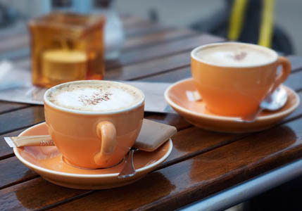 http://4.bp.blogspot.com/_EXuPM4bZBBE/TNl2zzG1KSI/AAAAAAAADDQ/rzpsDKws1yU/s1600/Coffee-2-cups.jpg