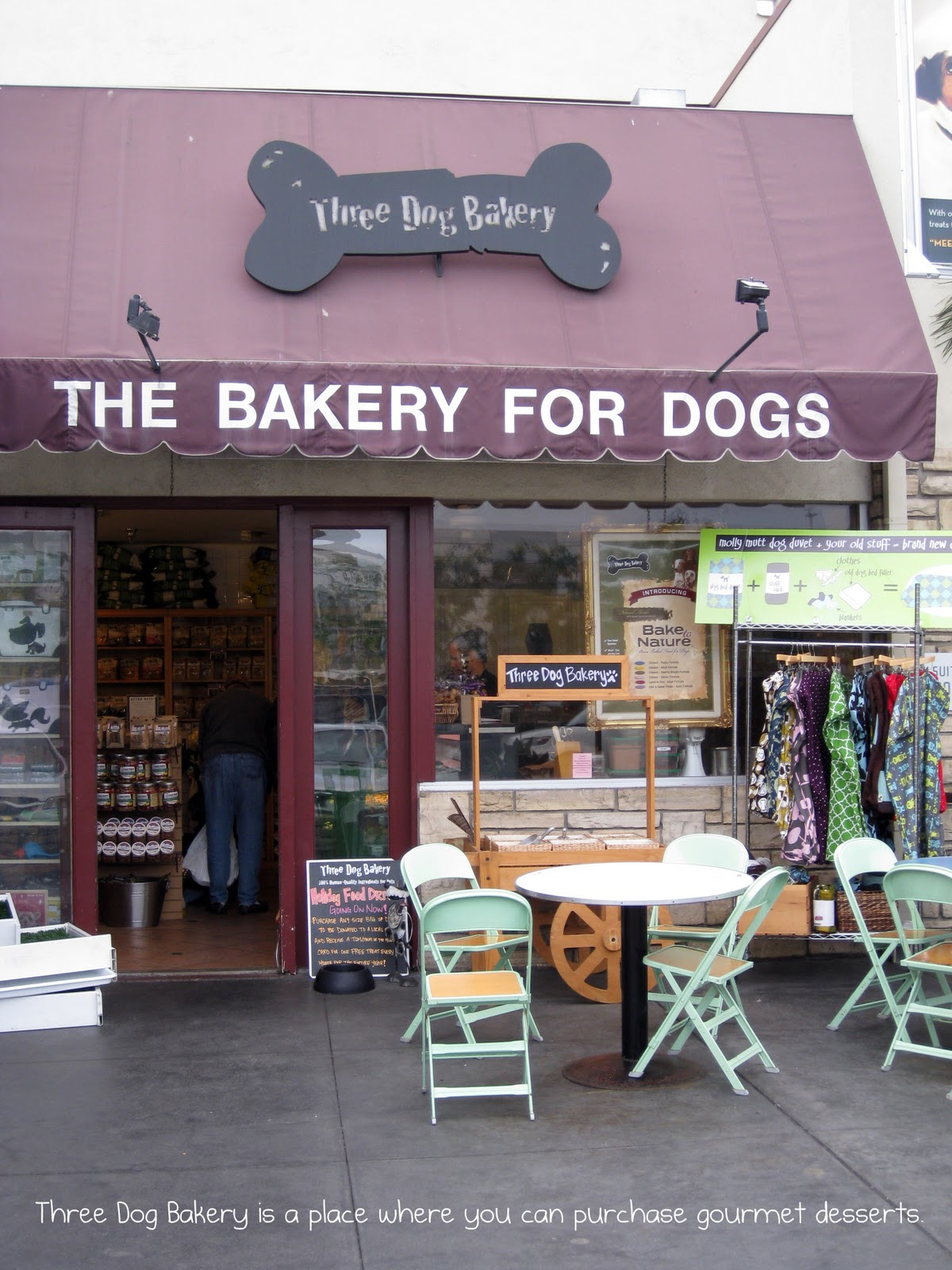 Three Dog Bakery Is A Local All Natural The Closest On Located At Los Angeles Farmers Market 6333 W 3rd St 710