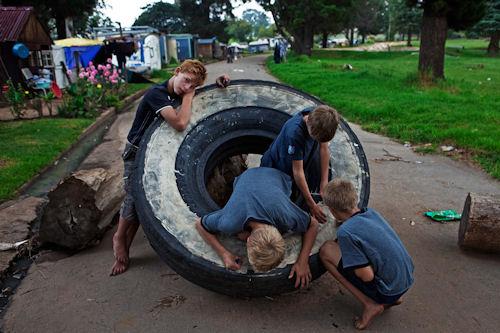 La pobreza en la Sudáfrica blanca (27 fotos de Finbarr O'Reilly)