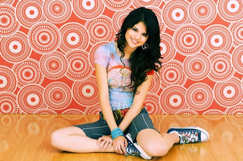 Bellísimo wallpaper de la hermosa Selena Gómez