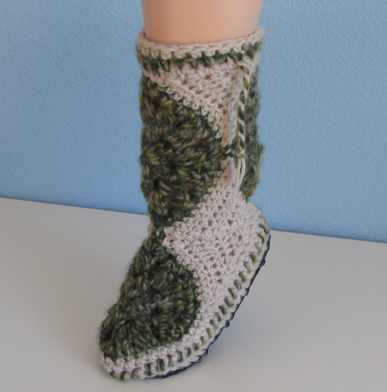 Wind Rose Fiber Studio: My Magic Book ~ Free Crochet Pattern ~ Muk Luks