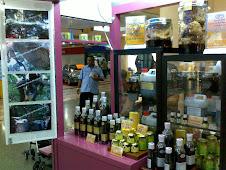 Kiosk B-55,Level 1,Berdepan Kedai Cermin Mata Menara Optometry,Zon Laluan Ke Surau,Plaza Angsana,JB